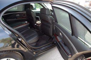 Коли под наем|Вътрешен интериор на бронирана кола BMW 760Li  Brone.bg