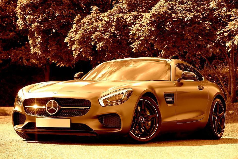 Fastback Mercedes-Benz | Brone.bg